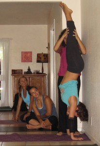 tish-teaches-handstand